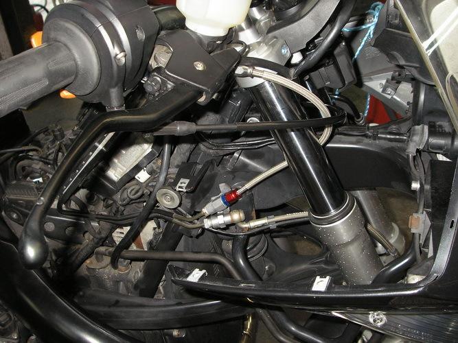 BMW  R1200ST  ステムヘッド部分の交換(ハンドルの交換)_e0218639_10253237.jpg