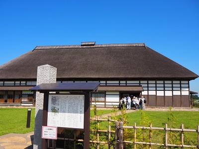 堀越城と旧弘前偕行社_d0131668_9525452.jpg