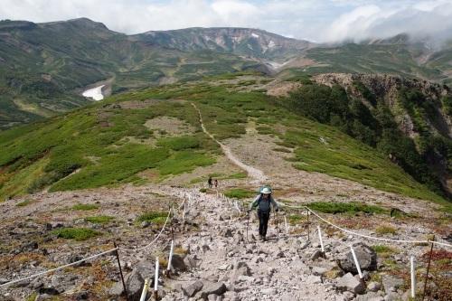 大雪高原温泉~黒岳へ縦走登山。_d0198793_13001750.jpg