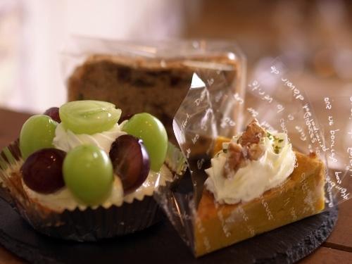 ぶどうのタルト他 今週のお菓子から_c0247614_16234524.jpg