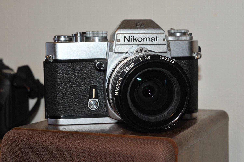 また Ai Nikkor 28mm F2.8 で_b0069128_09541605.jpg
