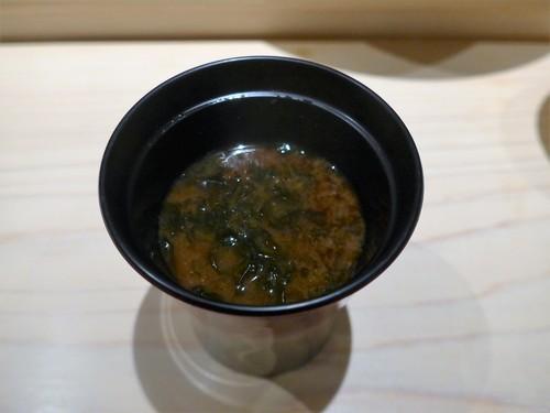 渋谷「熟成鮨 万」へ行く。_f0232060_1945119.jpg