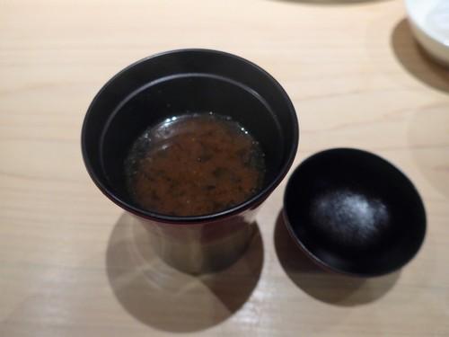 渋谷「熟成鮨 万」へ行く。_f0232060_19465035.jpg