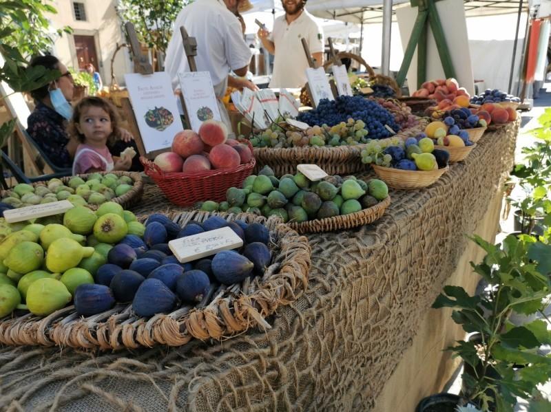 フィレンツェのオーガニック市フィエルーコラ~今回のテーマは「パン」_f0106597_04153351.jpg