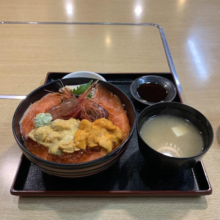 小平すみれにマイローライダーで海鮮丼を食べに行こう!_c0226202_20194877.jpeg