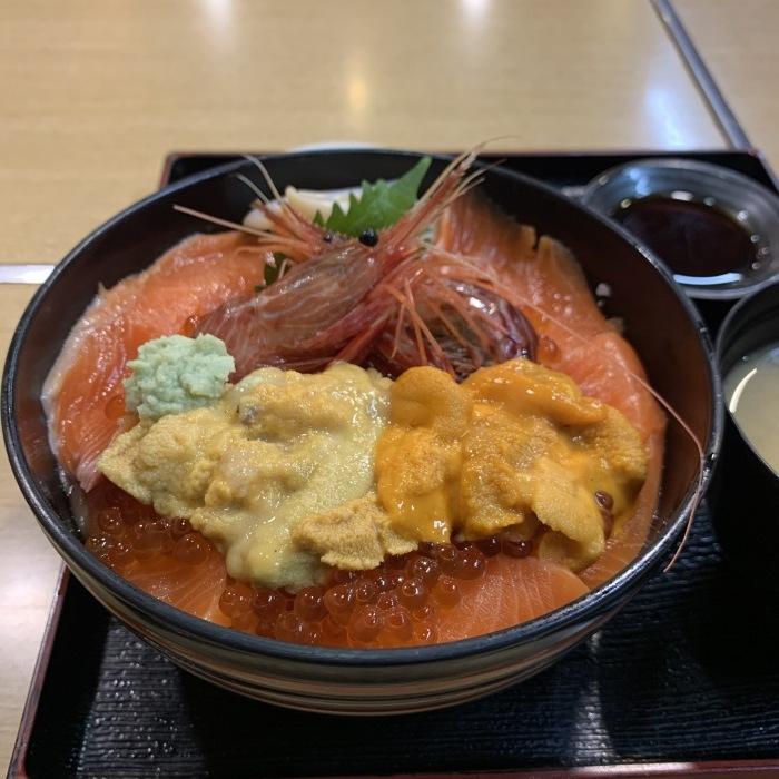 小平すみれにマイローライダーで海鮮丼を食べに行こう!_c0226202_20195160.jpeg