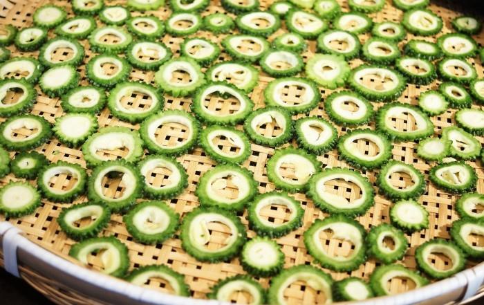 ■菜園料理【カリッと美味しいゴーヤチップスレシピ】_b0033423_17471275.jpg