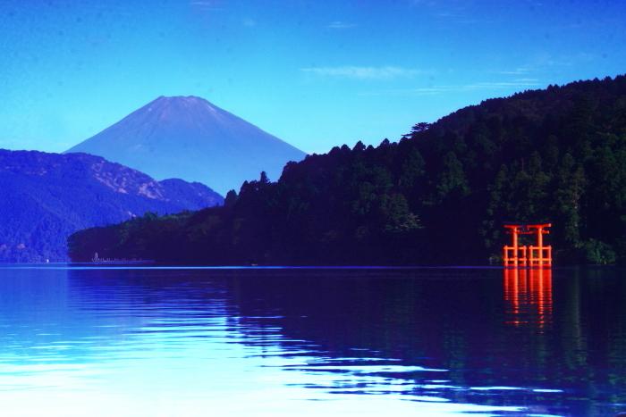 令和2年8月の富士(22) 芦ノ湖越しの富士 _e0344396_22193574.jpg