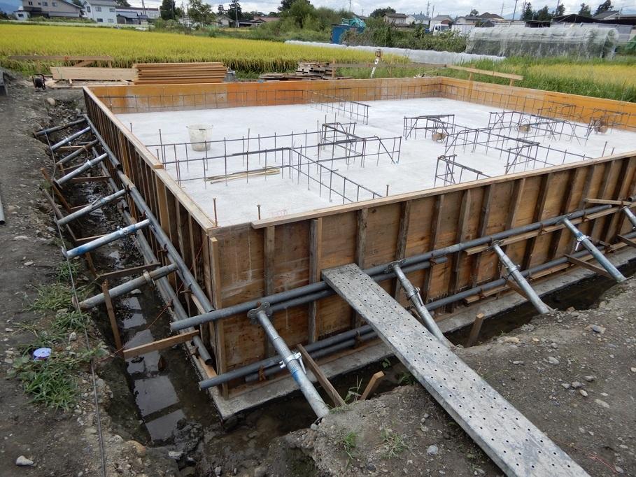 伊那市 設計事務所の家づくり  島内の家『土間コンクリート打設』_b0146238_18381381.jpg