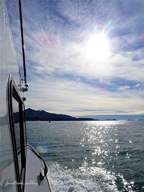 ボートでお出かけ_d0356844_04164923.jpg