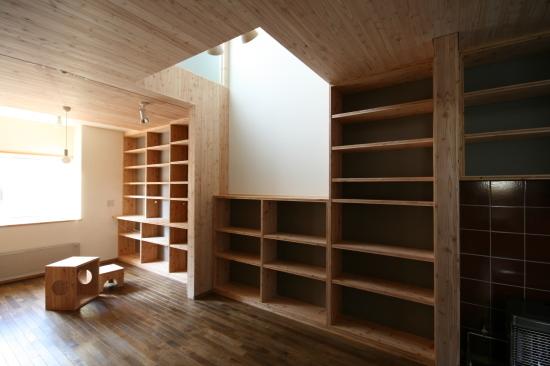 情報サイトSUUMO(スーモ)に当事務所が取材協力した『家を建てるなら平屋?2階建て?』の記事が公開されています。_e0132960_10173319.jpg