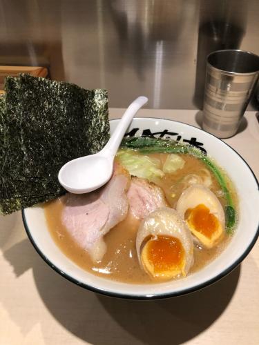 地鶏豚骨ラーメンひなわ 戸塚駅西口にオープン_c0029189_08260716.jpg