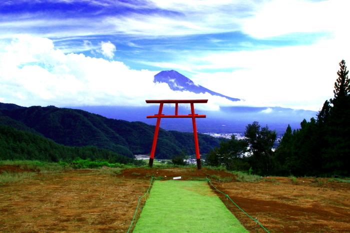 令和2年9月の富士(1) 河口浅間神社の鳥居と富士_e0344396_22011033.jpg