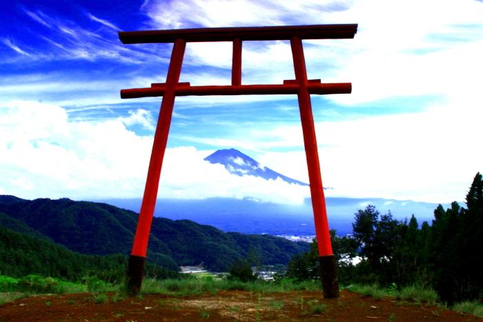 令和2年9月の富士(1) 河口浅間神社の鳥居と富士_e0344396_22011101.jpg