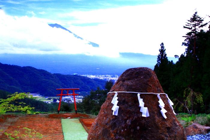 令和2年9月の富士(1) 河口浅間神社の鳥居と富士_e0344396_22011106.jpg