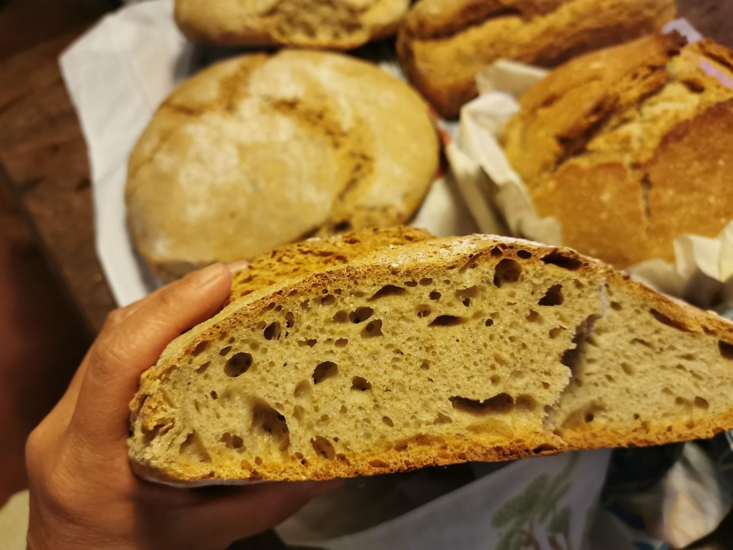 久しぶりに我が家でパン焼き_f0106597_05022703.jpg