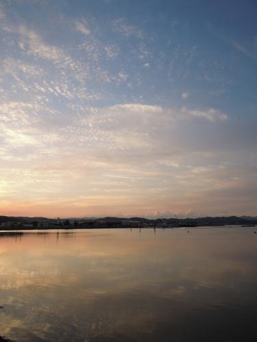 空に魅せられた早朝散歩_b0366871_22035706.jpg