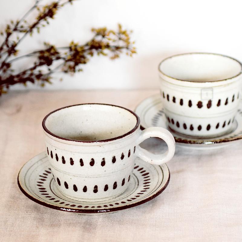 おすすめ☆【日本製】 根古芽(ねこめ)の飯茶碗とカップ&ソーサ_f0318397_14525132.jpg
