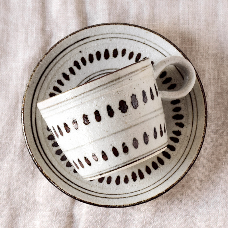 おすすめ☆【日本製】 根古芽(ねこめ)の飯茶碗とカップ&ソーサ_f0318397_14525184.jpg