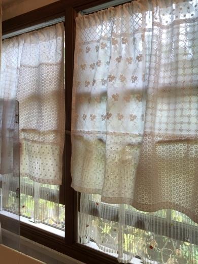手作りカフェカーテンでサロンもさらに新しい様式に。。。_a0213806_11460505.jpeg