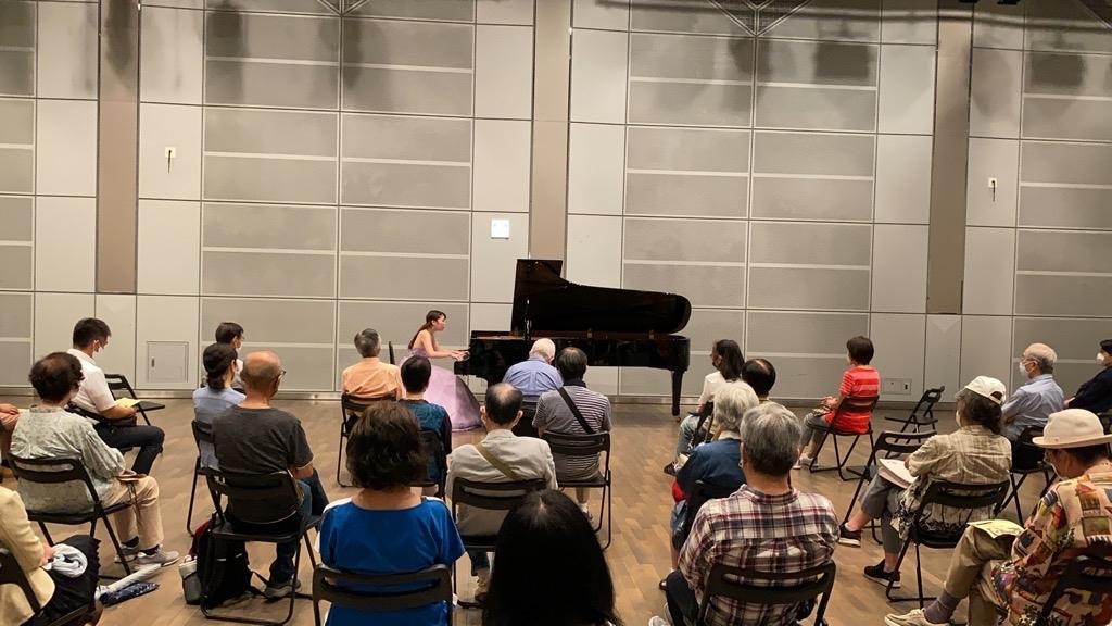 「ピアノの調べ」小林桃子さんのピアノソロコンサート_b0191609_16291110.jpg