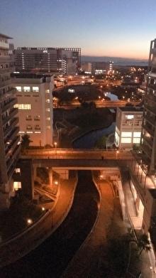 ベランダからの美しい夕焼けとか到着レポとか_b0212911_01484771.jpg
