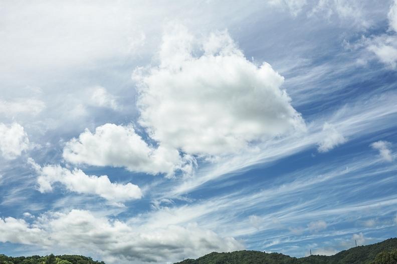 昼間の空が撮れる^^_f0189086_19342241.jpg