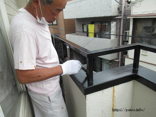 目黒区S様邸ベランダ手摺塗装(鉄部)・床防水仕上げ完了。_a0214329_09400472.jpg