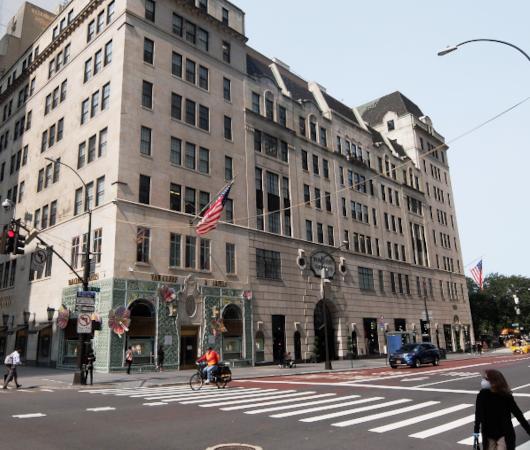 コロナ禍でも素晴らしい、NYを代表する高級デパート、バーグドルフ・グッドマンのショウウィンドウ_b0007805_02415943.jpg