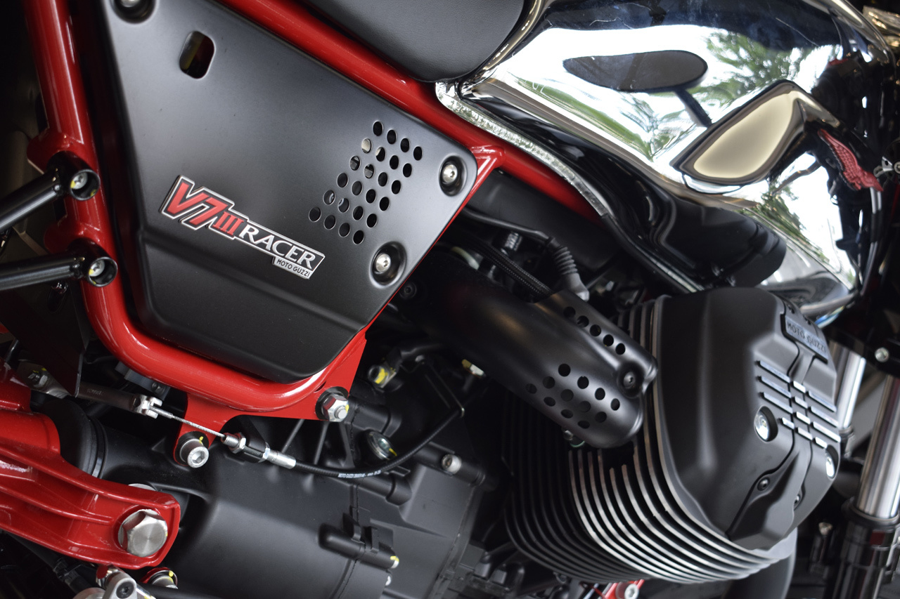 MOTO GUZZI V7 III Racer 10th ANNIVERSARY 入荷!_d0099181_10585288.jpg