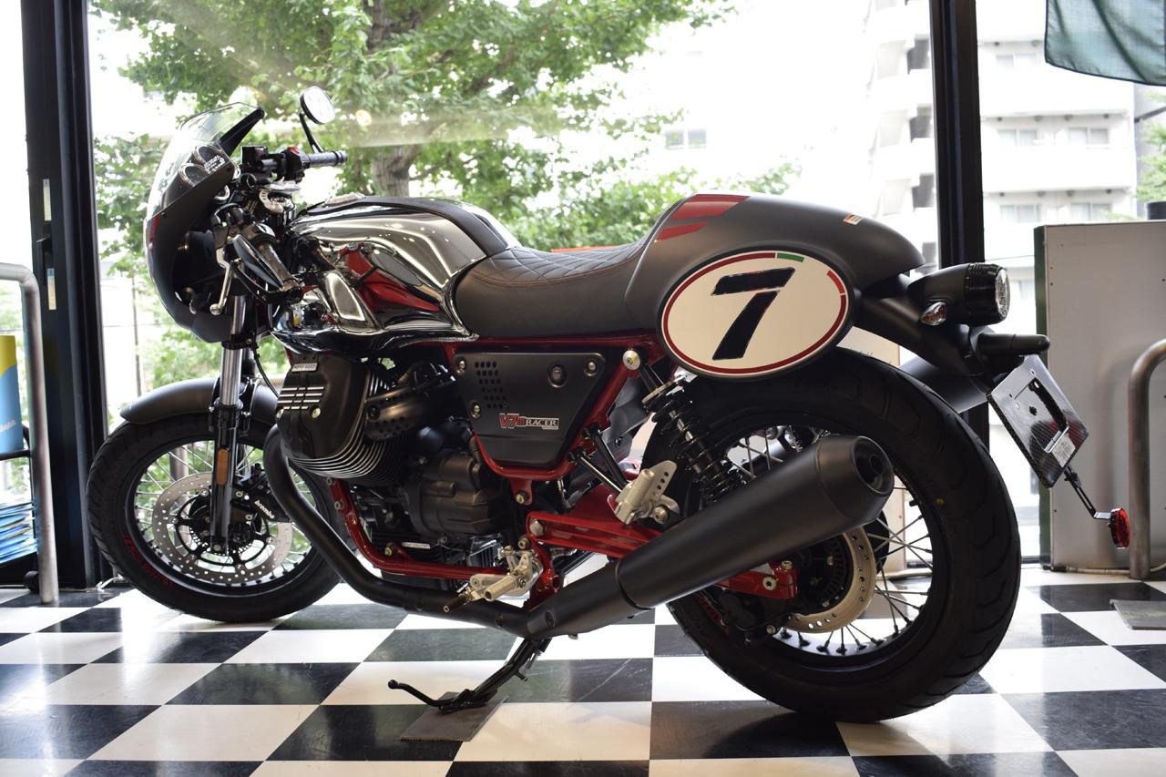 MOTO GUZZI V7 III Racer 10th ANNIVERSARY 入荷!_d0099181_11001857.jpg