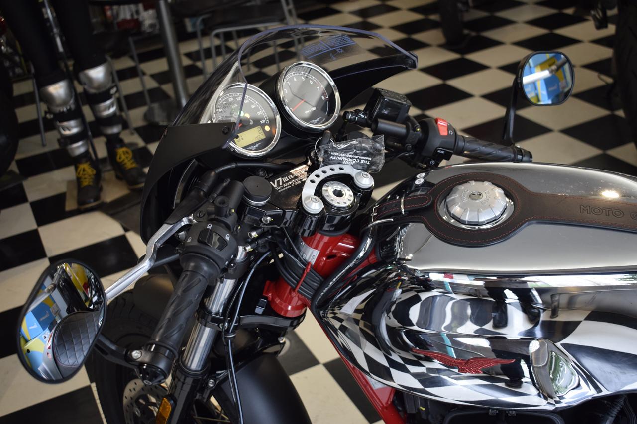 MOTO GUZZI V7 III Racer 10th ANNIVERSARY 入荷!_d0099181_11010476.jpg