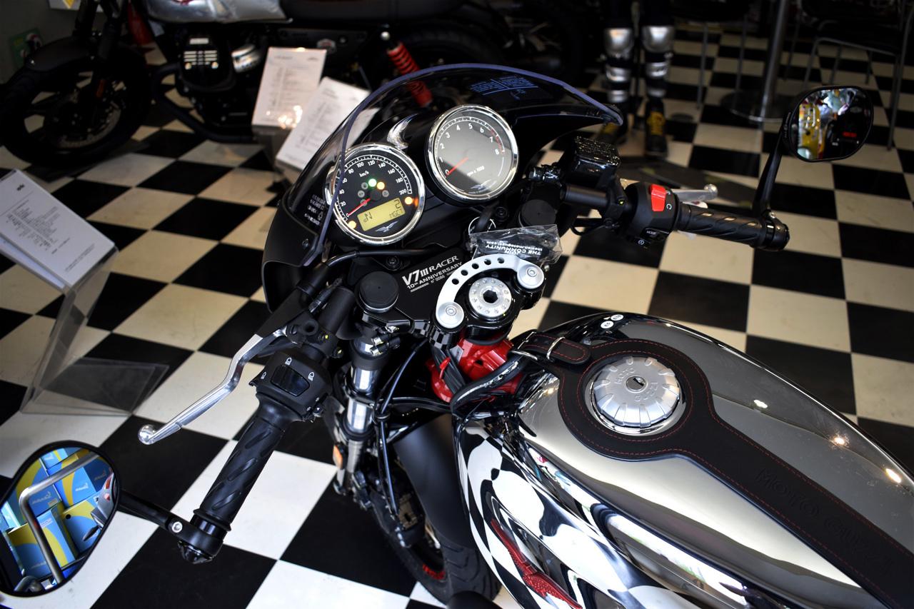 MOTO GUZZI V7 III Racer 10th ANNIVERSARY 入荷!_d0099181_11024789.jpg