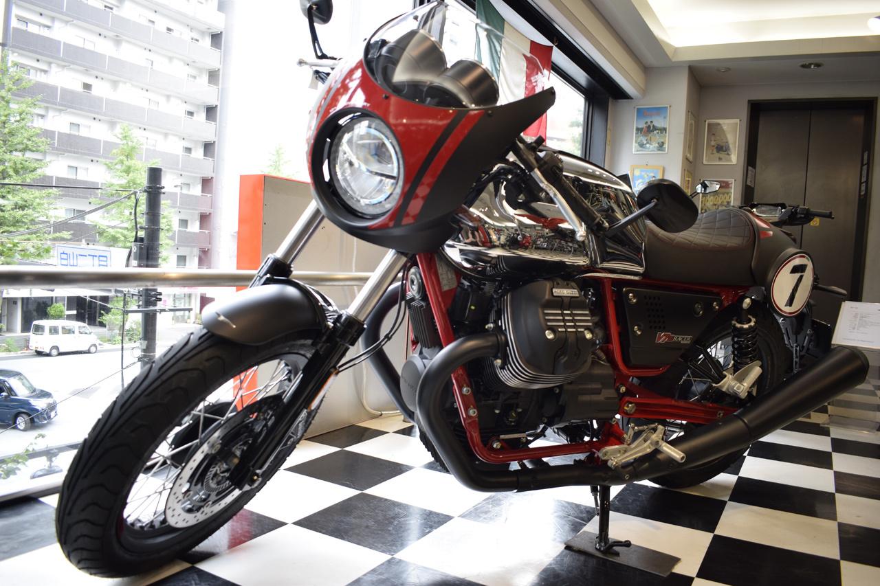 MOTO GUZZI V7 III Racer 10th ANNIVERSARY 入荷!_d0099181_11035594.jpg