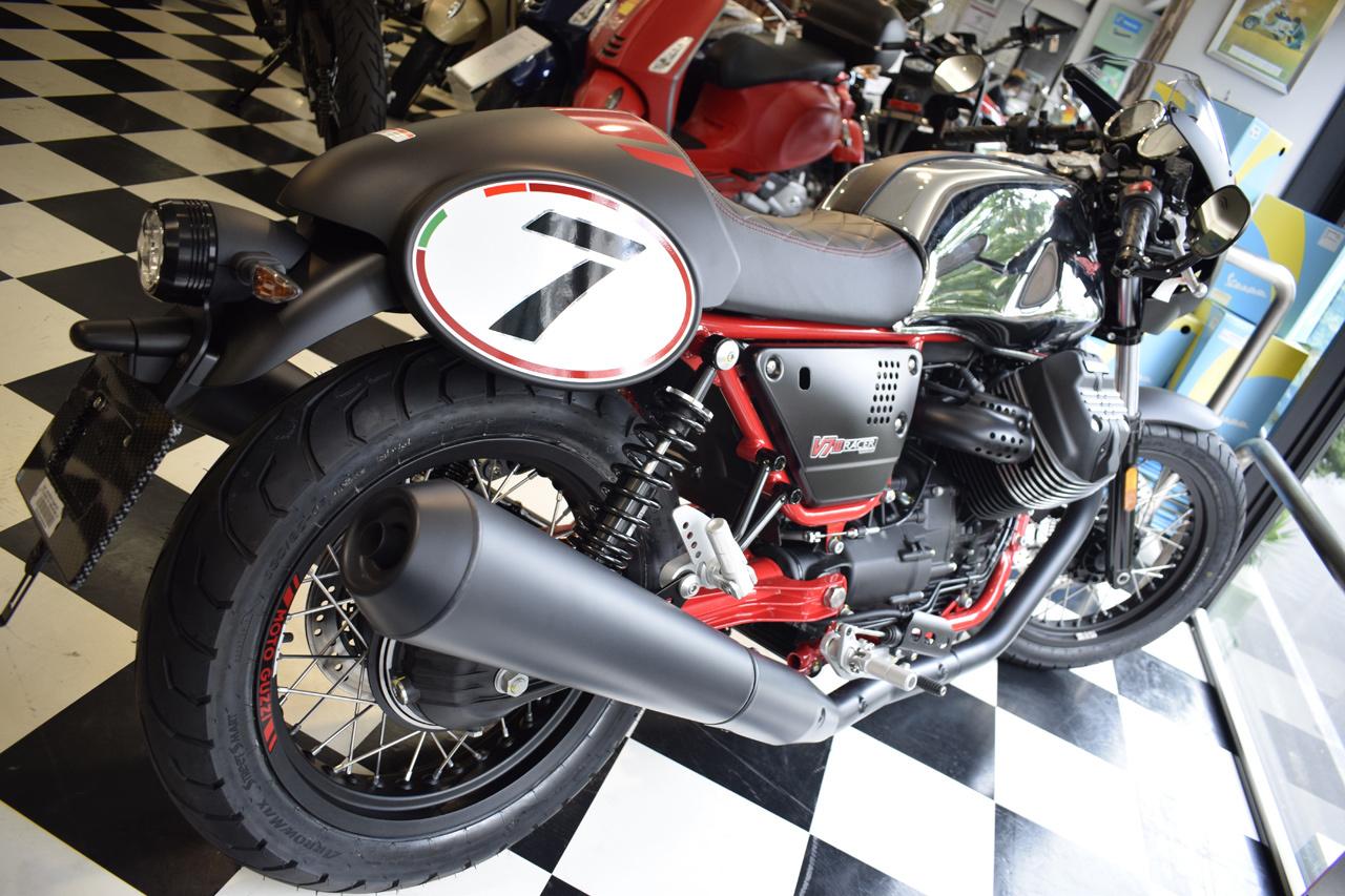 MOTO GUZZI V7 III Racer 10th ANNIVERSARY 入荷!_d0099181_11252522.jpg