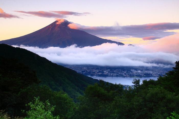 令和2年9月の富士(4) 御坂峠朝陽射し込む富士_e0344396_18552455.jpg
