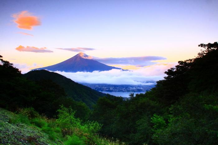令和2年9月の富士(4) 御坂峠朝陽射し込む富士_e0344396_18552456.jpg