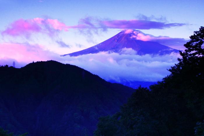 令和2年9月の富士(4) 御坂峠朝陽射し込む富士_e0344396_18552530.jpg