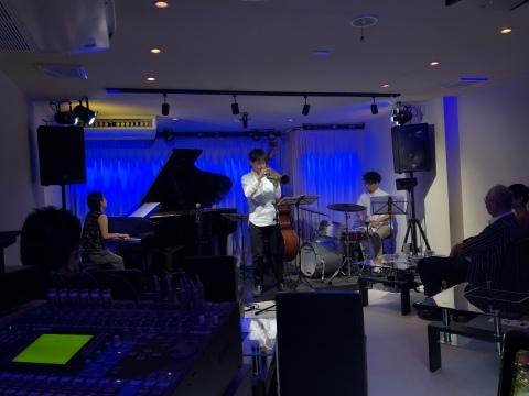 広島 ジャズライブカミンJazzlive Comin 明日9月20日はセッションです!_b0115606_10260940.jpeg