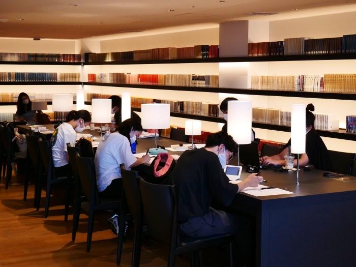 和歌山市民図書館  2020-10-02 00:00_b0093754_22575204.jpg