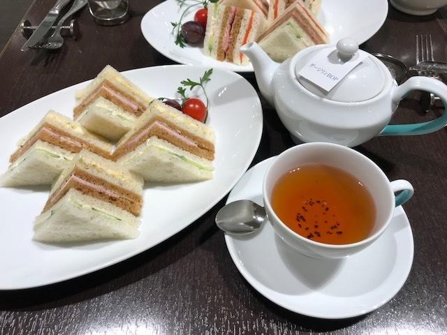 お茶の時間_f0117977_10245485.jpg