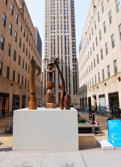 第二回フリーズ・スカルプチャー・アット・ロックフェラー・センター(Frieze Sculpture at Rockefeller Center)_b0007805_06011778.jpg