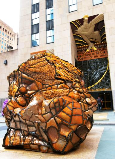 第二回フリーズ・スカルプチャー・アット・ロックフェラー・センター(Frieze Sculpture at Rockefeller Center)_b0007805_06531735.jpg
