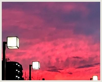 黄昏は悲しみ色… 秋の夕焼けに_b0183113_11304206.jpg