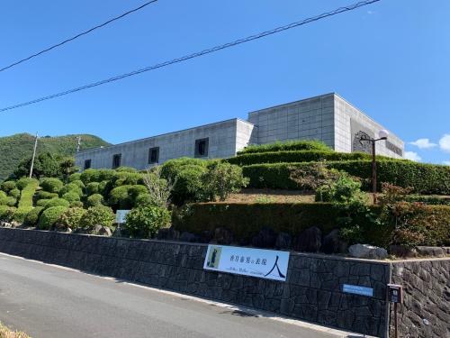 香月泰男美術館と角島大橋_d0025421_17073684.jpg