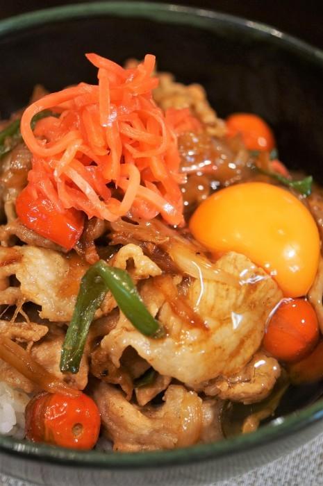 ■晩ご飯【簡単5分!!牛丼のタレでミニトマト入り豚丼を作りましたが美味しかったです♪】_b0033423_18324985.jpg