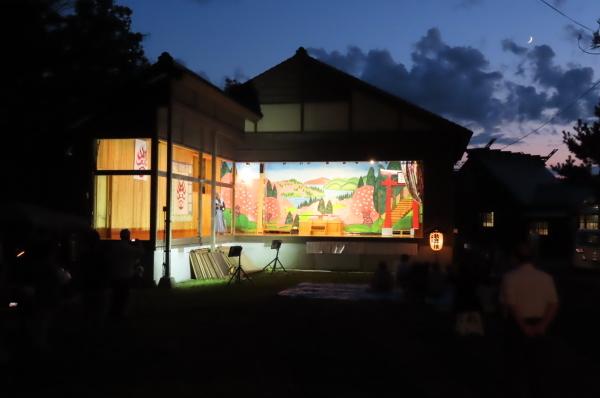 静かな境内で森岳歌舞伎が奉納されました_b0238249_20544458.jpg