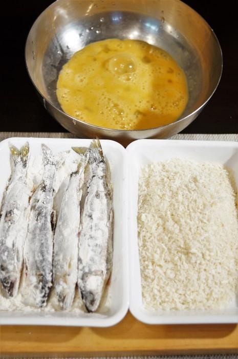 ■晩ご飯【鮎フライ】お向かいさんの釣り果(相模川の鮎を頂きました^^)_b0033423_12590026.jpg