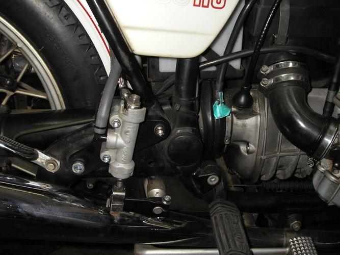 BMW  R100RS+    カー側ブレーキの取り付け_e0218639_10053414.jpg