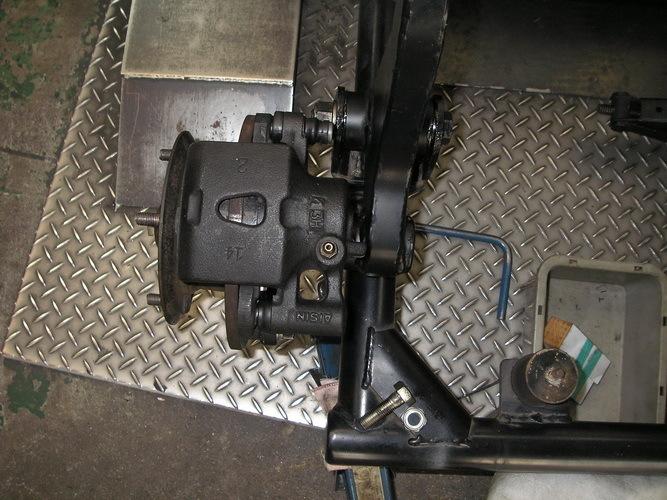BMW  R100RS+    カー側ブレーキの取り付け_e0218639_10053491.jpg